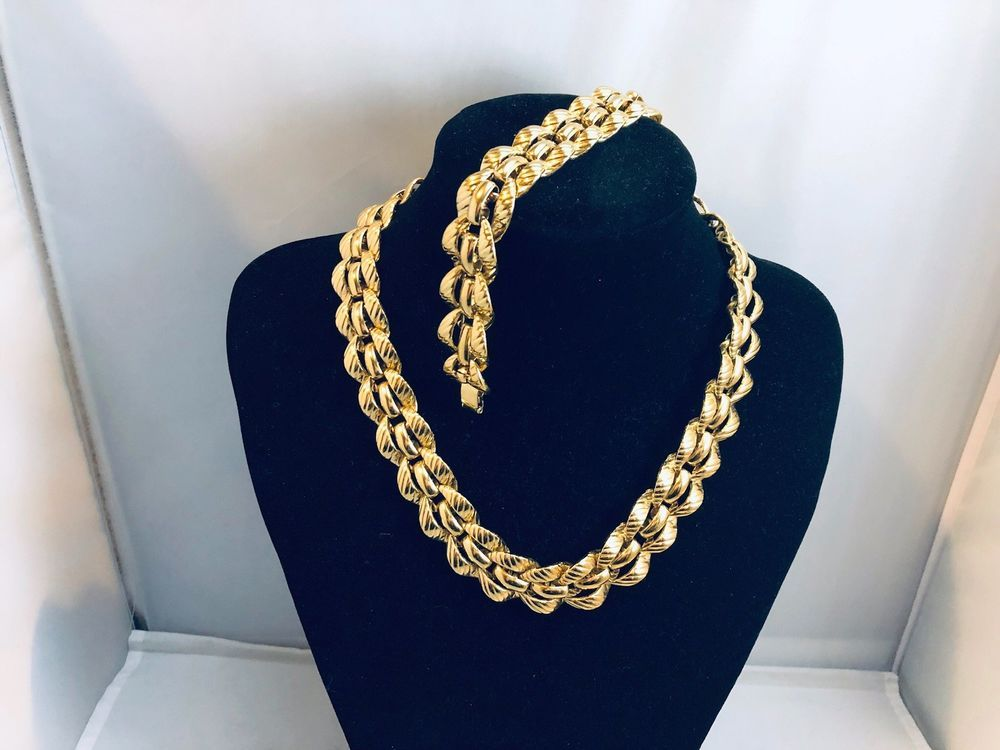 3f43b2a527fa VTG. MONET DEMI SHINY GOLD TONE CHUNKY CHAIN NECKLACE   BRACELET ...