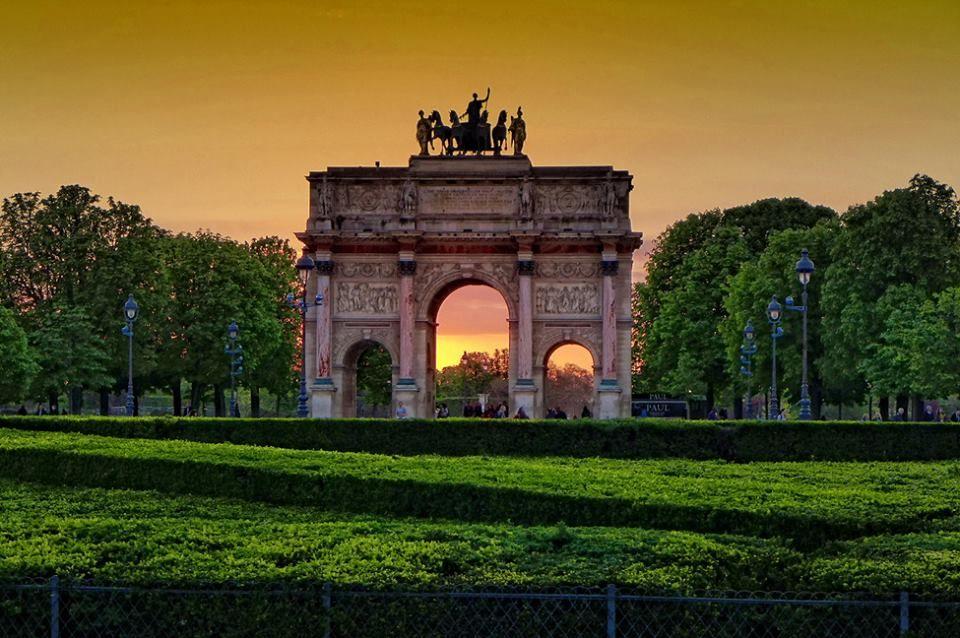 Arc de Triomphe du Carrousel  by Cris T