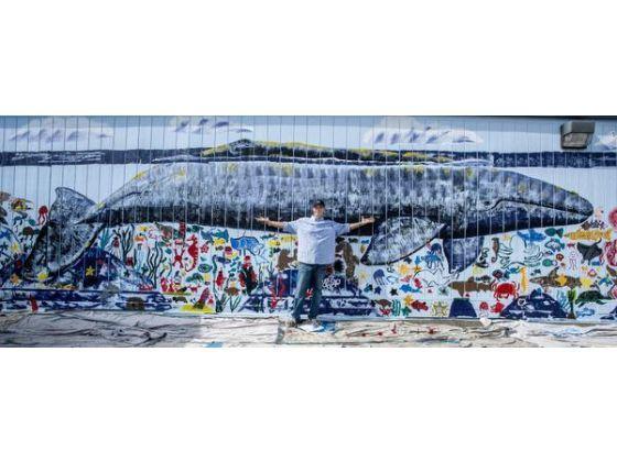 Marine muralist Wyland surfaces to give Laguna Niguel school a mural wall