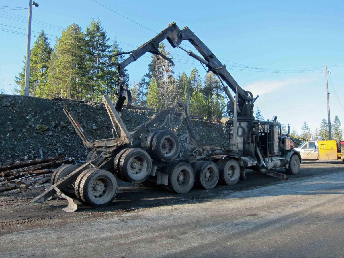 kenworth t800 log truck [ 1200 x 900 Pixel ]