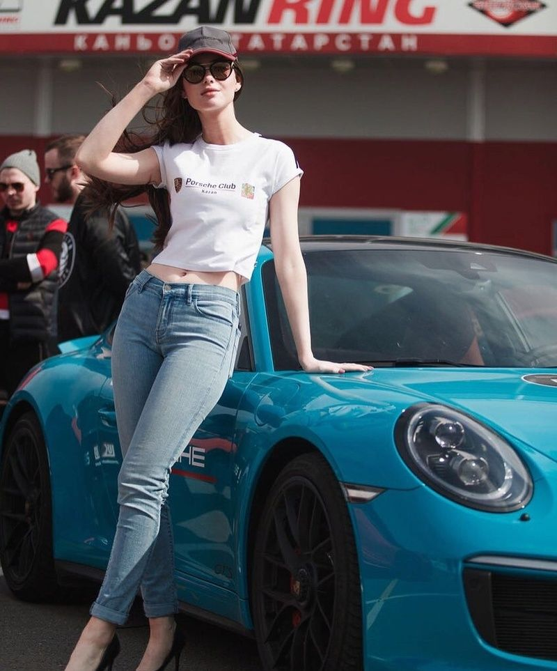 991 You Drive Car Hire Faro Airport Deliver To Hotel In Algarve Www You Drive Cc With Images Porsche Models Vintage Porsche Car Girls