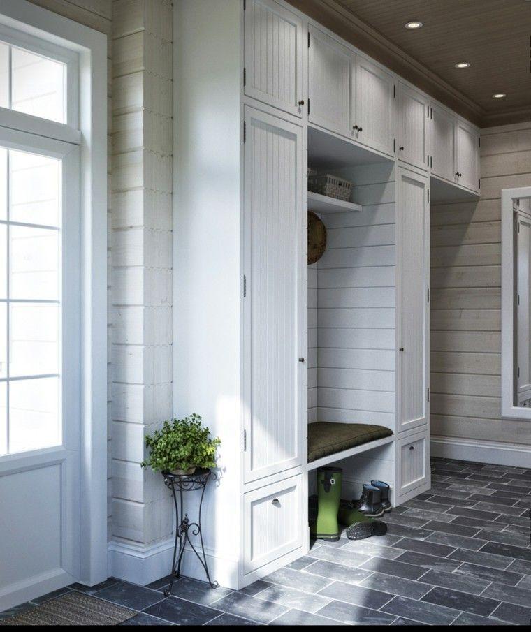 armarios al estilo rstico en la entrada