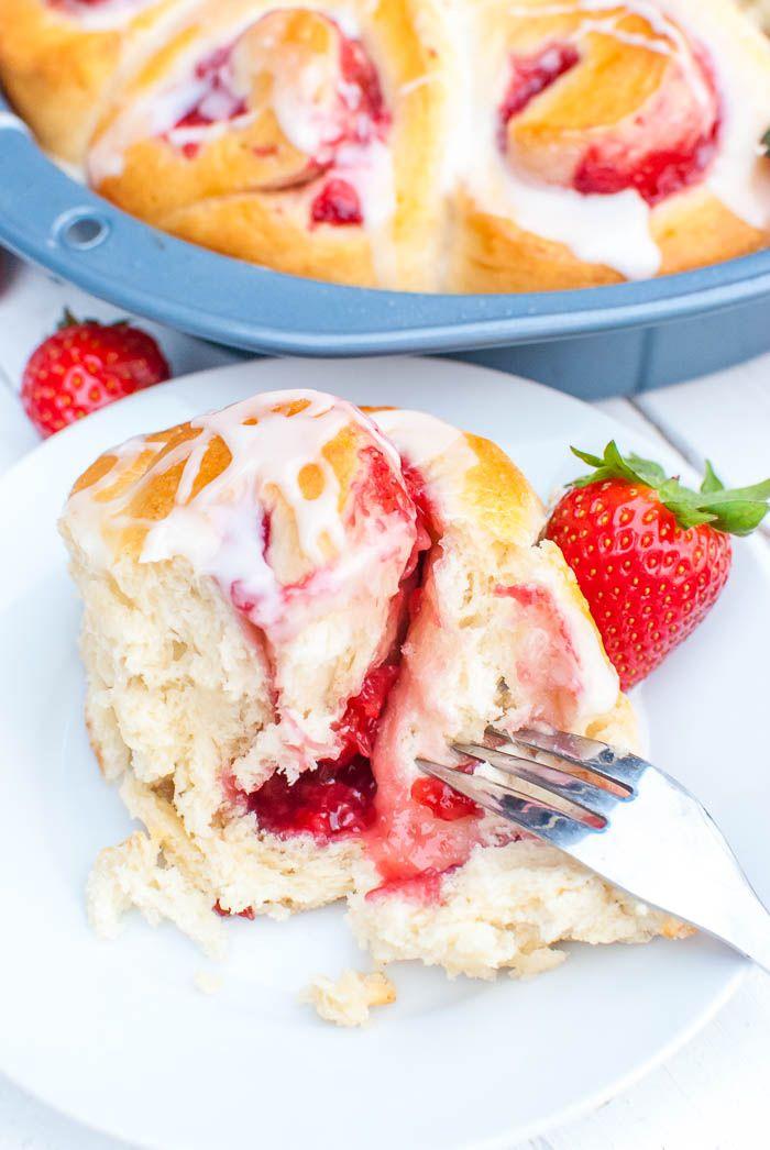 Schnelle Erdbeer-Schnecken mit Guss (vegan) Dessert, Brownies\ - schnelle vegane küche