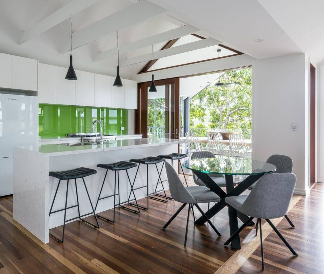 Best Extensively Renovated Modern Family Home In Brisbane 400 x 300