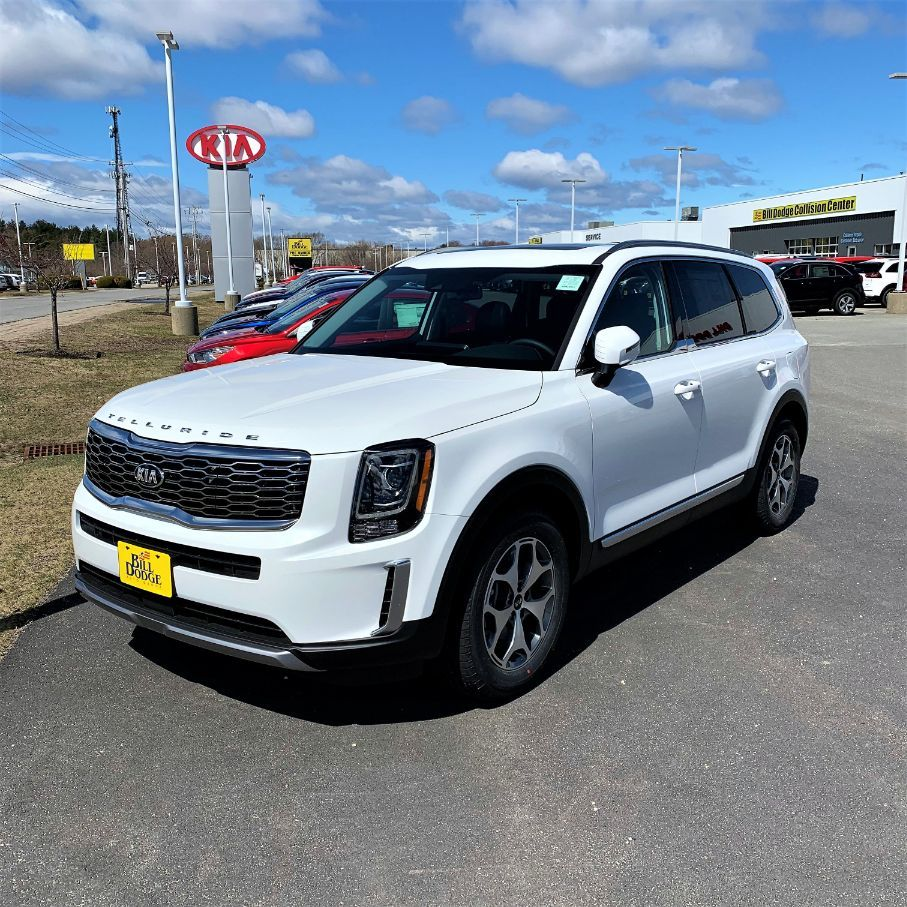 2020 Kia Telluride In The Highly Sought After Snow White Pearl Shop Our Telluride Lineup Bit Ly Telluridew Kia Telluride Kia White Suv Telluride