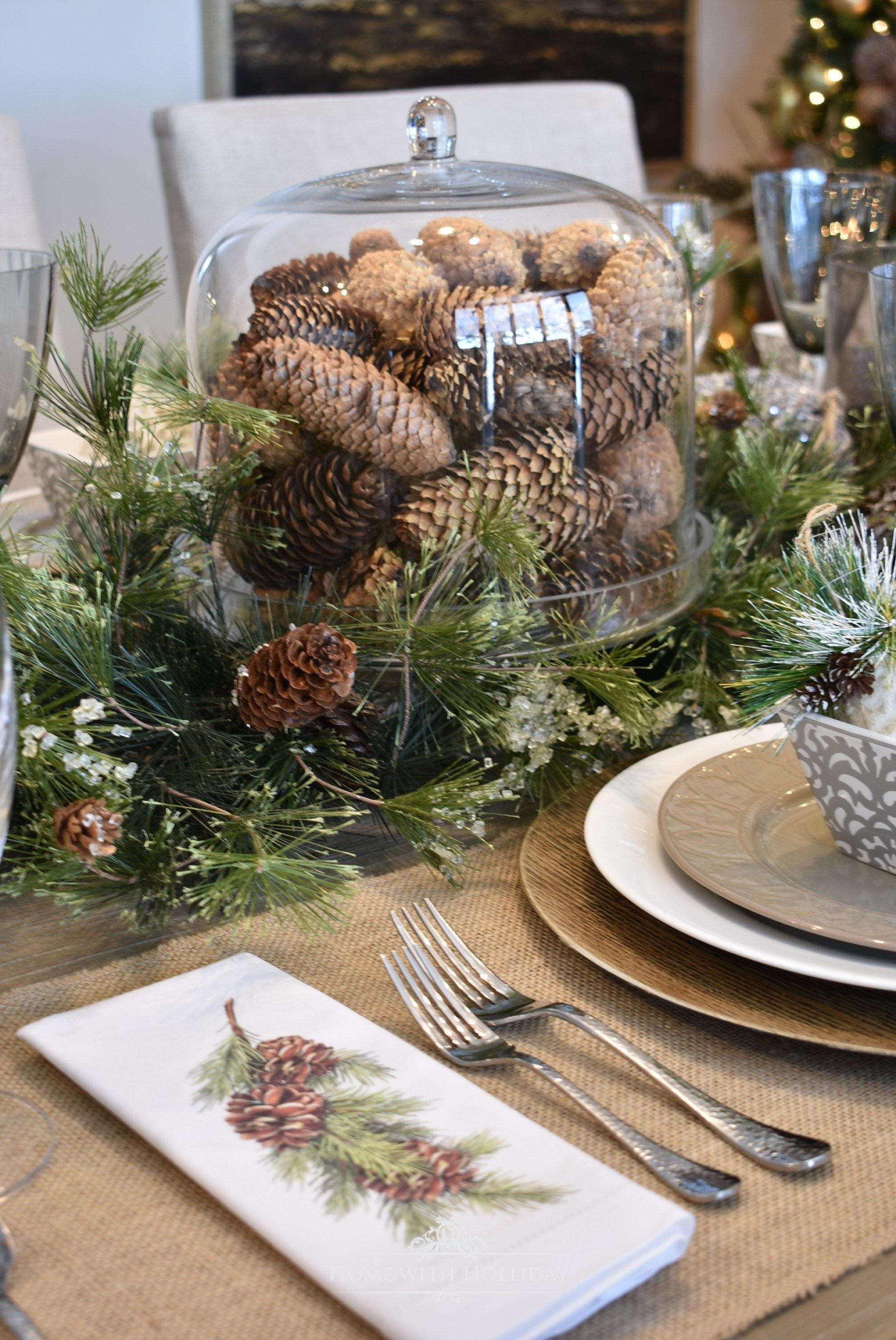 Simple Woodland And Pine Cone Christmas Table Setting