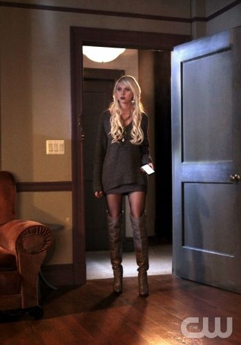 """Gaslit""  Gossip Girl  Pictured Taylor Momsen as Jenny Humphrey PHOTO CREDIT:  GIOVANNI RUFINO/ THE CW ©2010 The CW Network, LLC. All Rights Reserved"