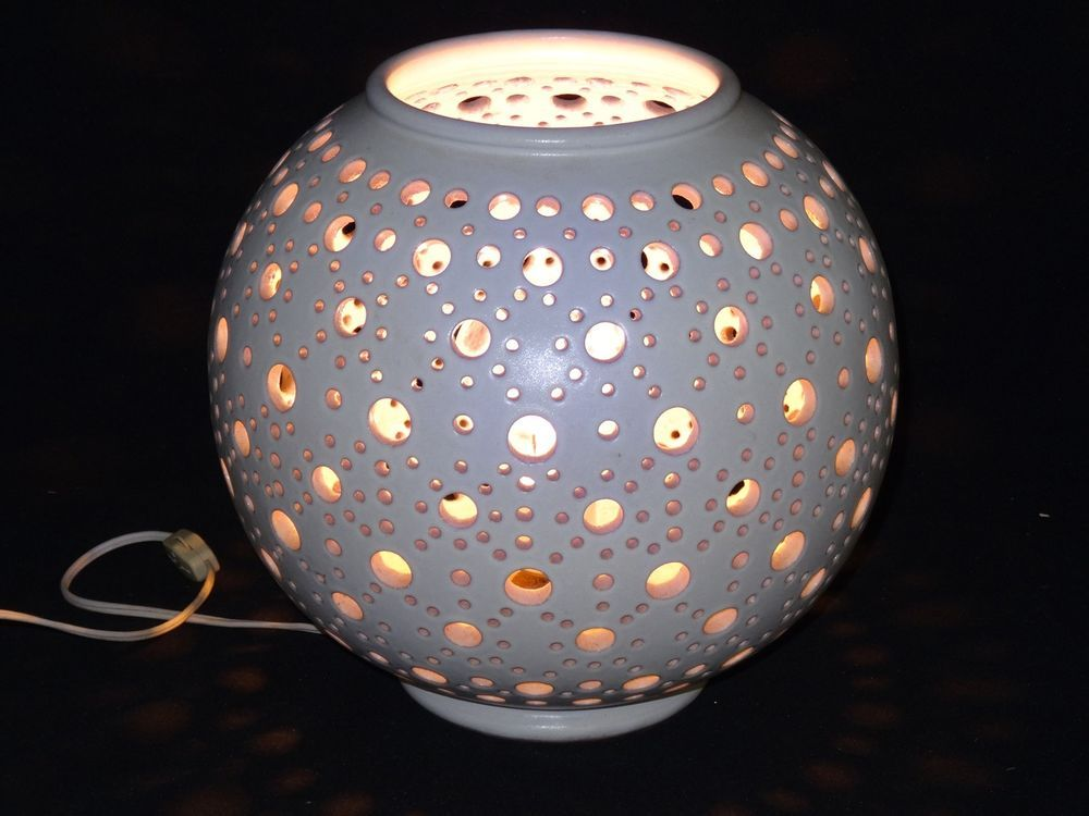 DISCO CHIC VINTAGE 70u0027s CERAMIC CIRCULAR RETICULATED PIERCED GLOBE TABLE  LAMP