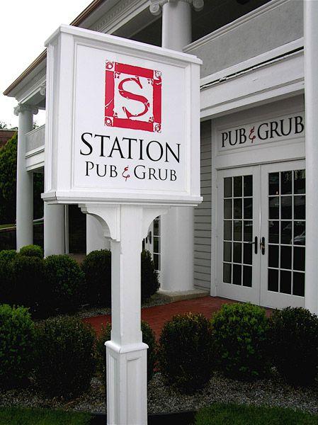 Station Pub Amp Grub Vinyl Lettering On Custom Post And