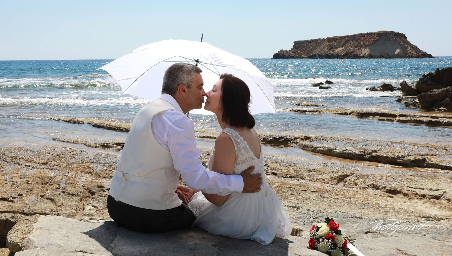 Affordable Wedding Photographer Peyia Municipality Paphos Cyprus My Photo Shooting Style Is U Affordable Wedding Photographer Underwater Wedding Cyprus Wedding
