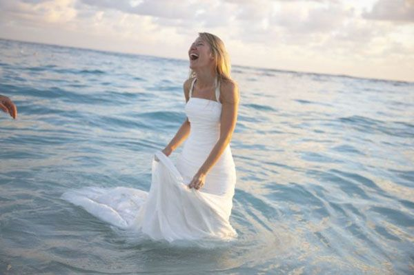 trash the dress...I can't wait to do this! ♥