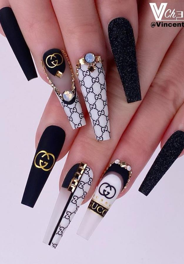 Here Comes The Coffin Nail Art Which Is Fashionable And Beautiful Making Your Nails More Beautiful Keep Creating Beauty And Warm Home Find More Happiness I In 2020 Gucci Nails