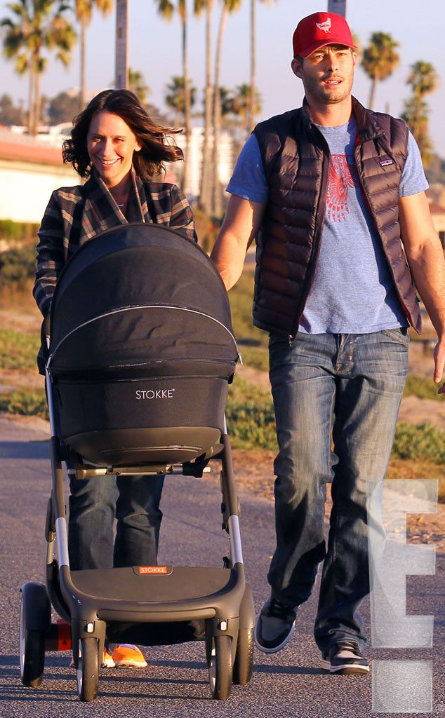 Jennifer Love Hewitt Out With Baby Autumn And Husband Brian Hallisay See First Photos O Jennifer Love Jennifer Love Hewitt Family Jennifer Love Hewitt Husband
