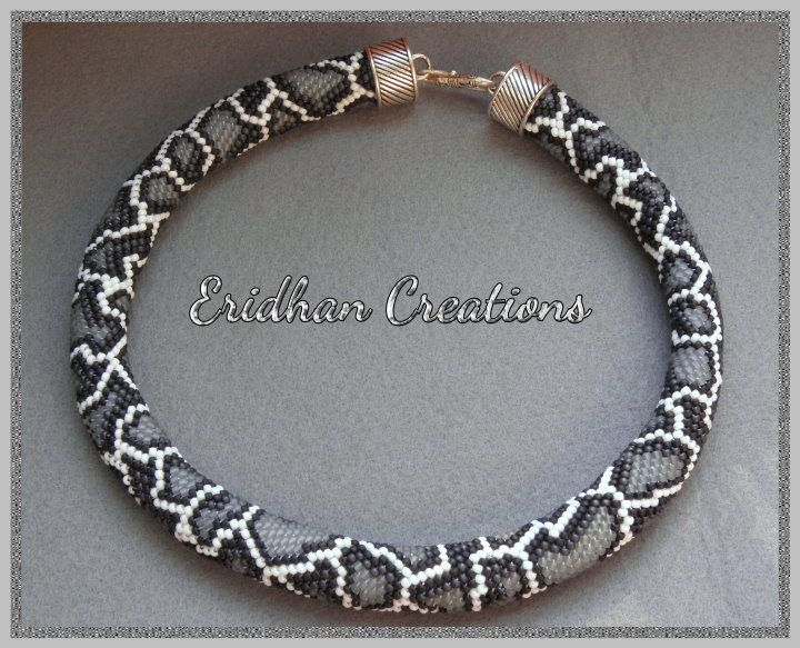 snake - beaded crochet necklace - discussion and several samples ...