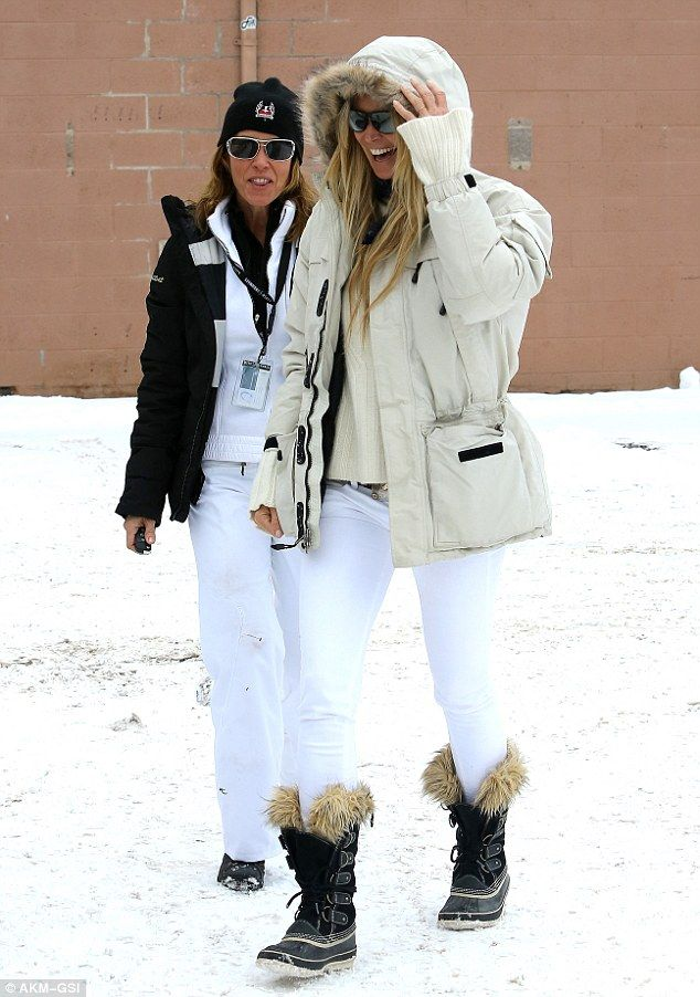 0352637d96 Ready for the slopes  Elle Macpherson looks stylish in her ski-wear as she  wanders around the shops in Aspen