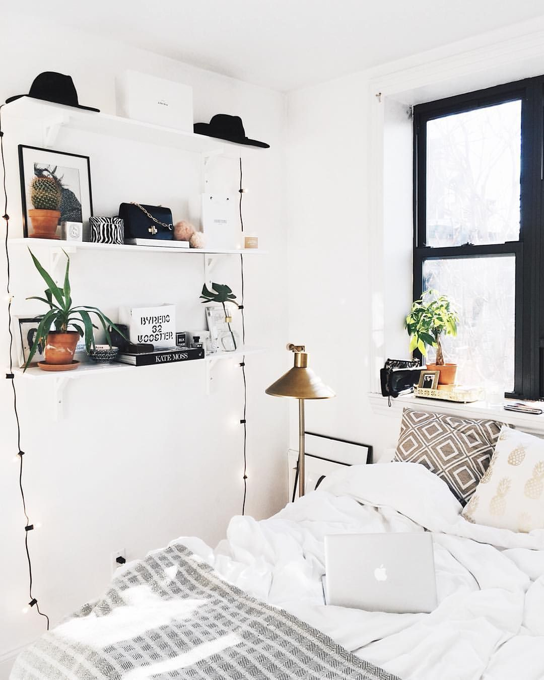 "Deco Bedroom Minimalist Interior viktoria dahlberg på instagram: ""weekend vibes ✨✨✨ #goodmorning"