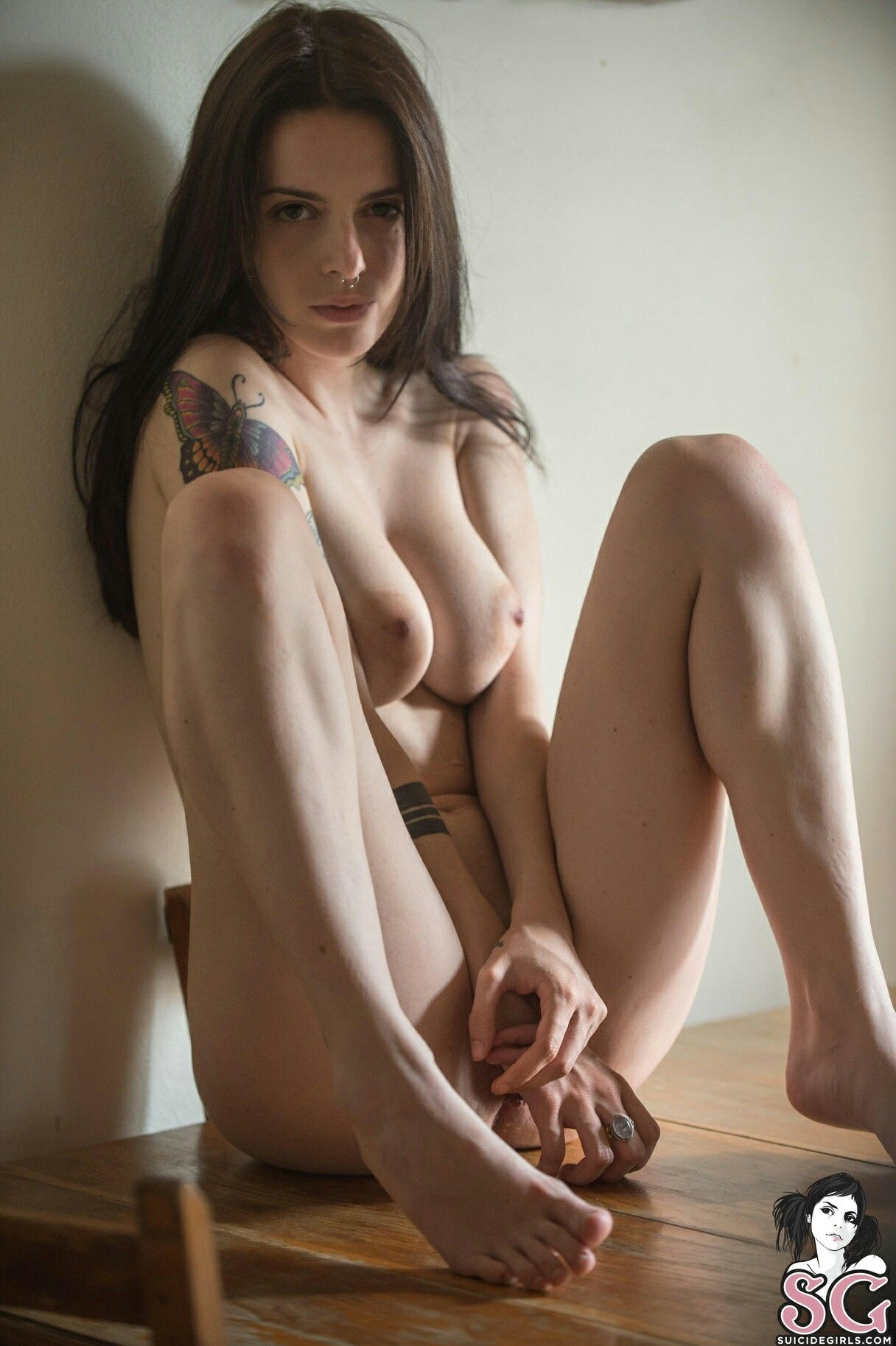 sexy completely naked tattooed women
