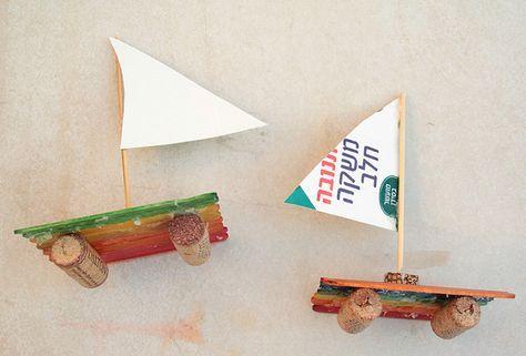 Basteln Kindern Sommer Eisstielen Spielen Anleitung Boot Korken