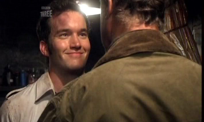 Ianto used Disarming smile. It was super-effective!! (Headbutt less so...)