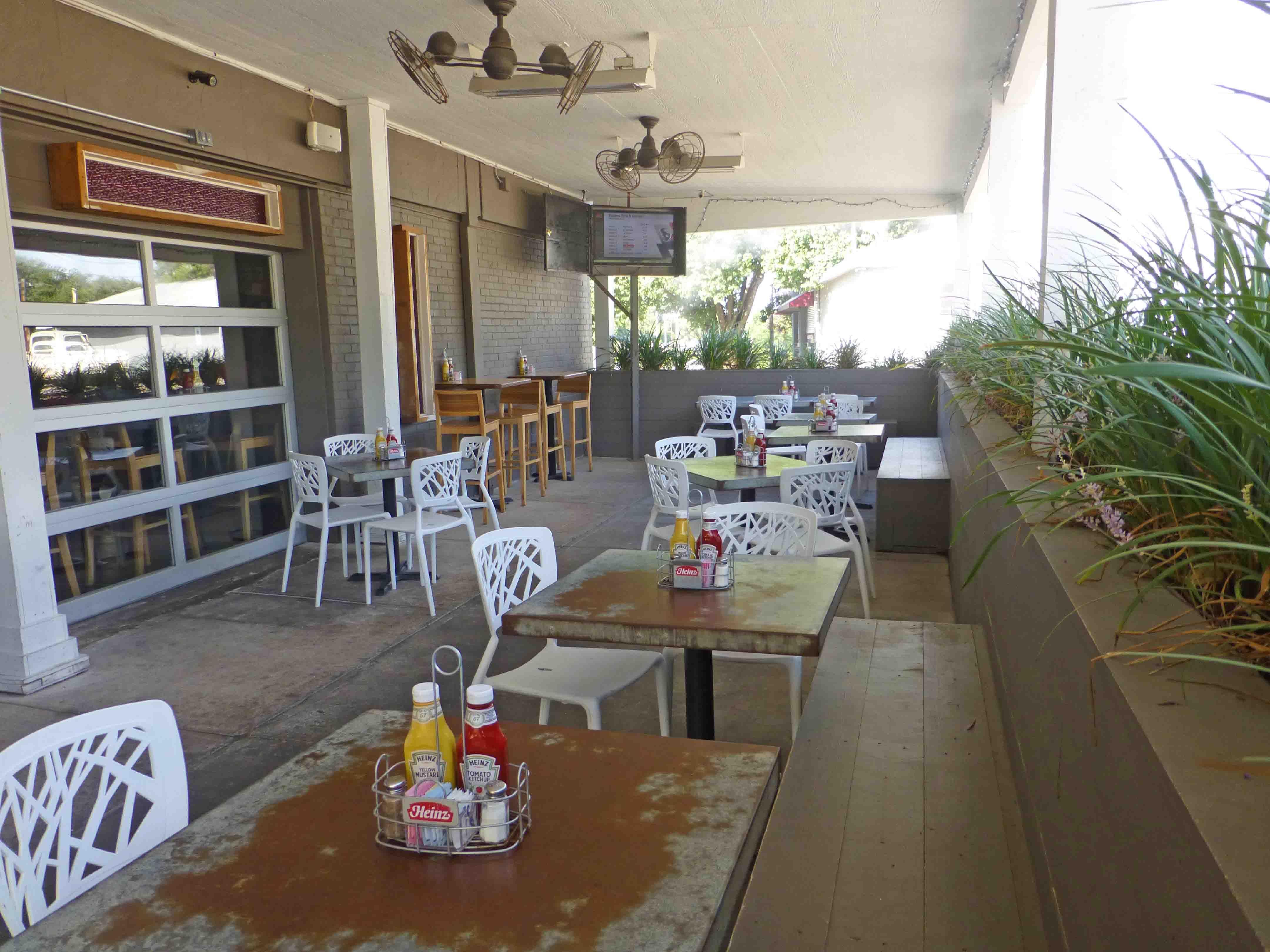 Restaurant Talk Lake House Bar Grill Bars For Home Lake