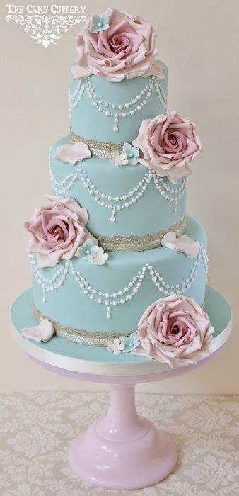 shabby chic-inspired cake