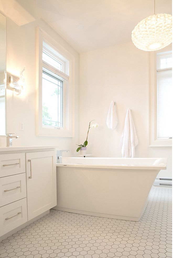 2016 Paint Color Ideas For Your Home Benjamin Moore Oxford White Cc 30 Whitebathroompaint Trendy Bathroom Designs Painting Bathroom Cabinets White Bathroom Cabinets