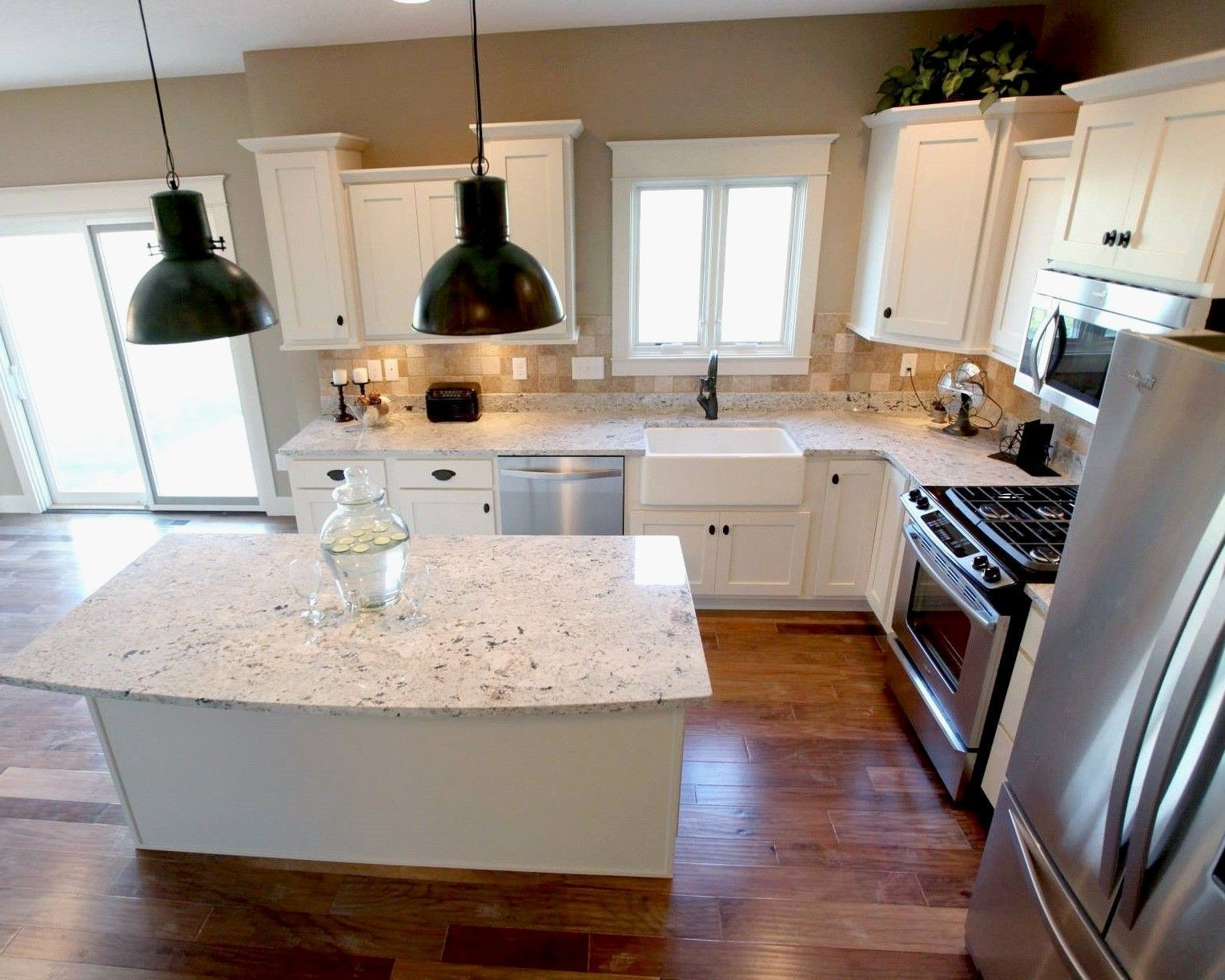 First Picture Spotted Countertops White Cabinets 27 Fascinating Kitchen Layout Ideas A Guide F Small Kitchen Layouts Kitchen Designs Layout Kitchen Layout
