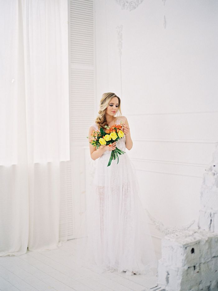 yellow boquet + Bridal Boudoir Session | fabmood.com
