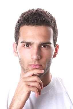 Pin von Amir Allian auf Haircut | Frisuren rundes gesicht ...