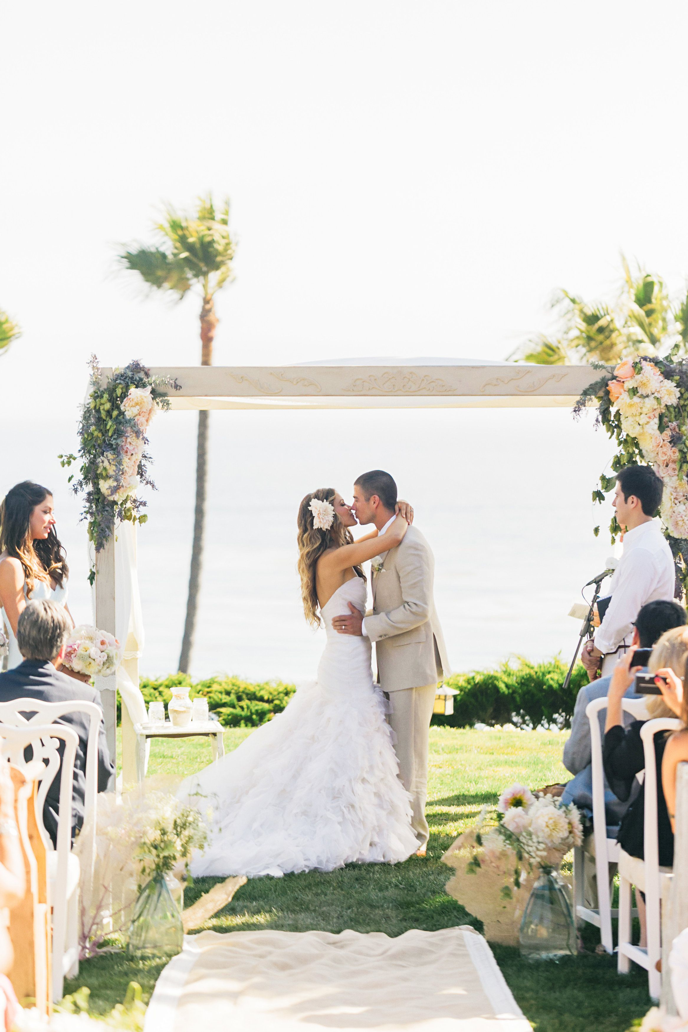 Beach Wedding Inspo! Tone It Up for your big day ♥