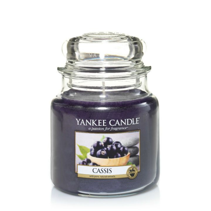 #Cassis - Medium Jar Candle - Yankee Candle Vibrantly stimulating… the lush aroma of blackcurrant berries with a fresh burst of tartness.