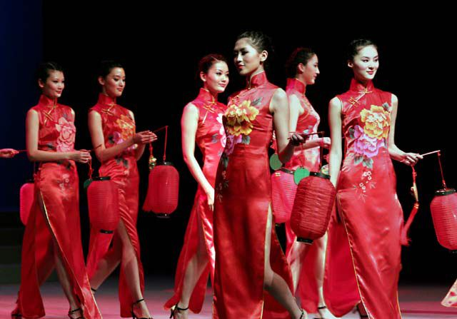 Chinese traditional dress show