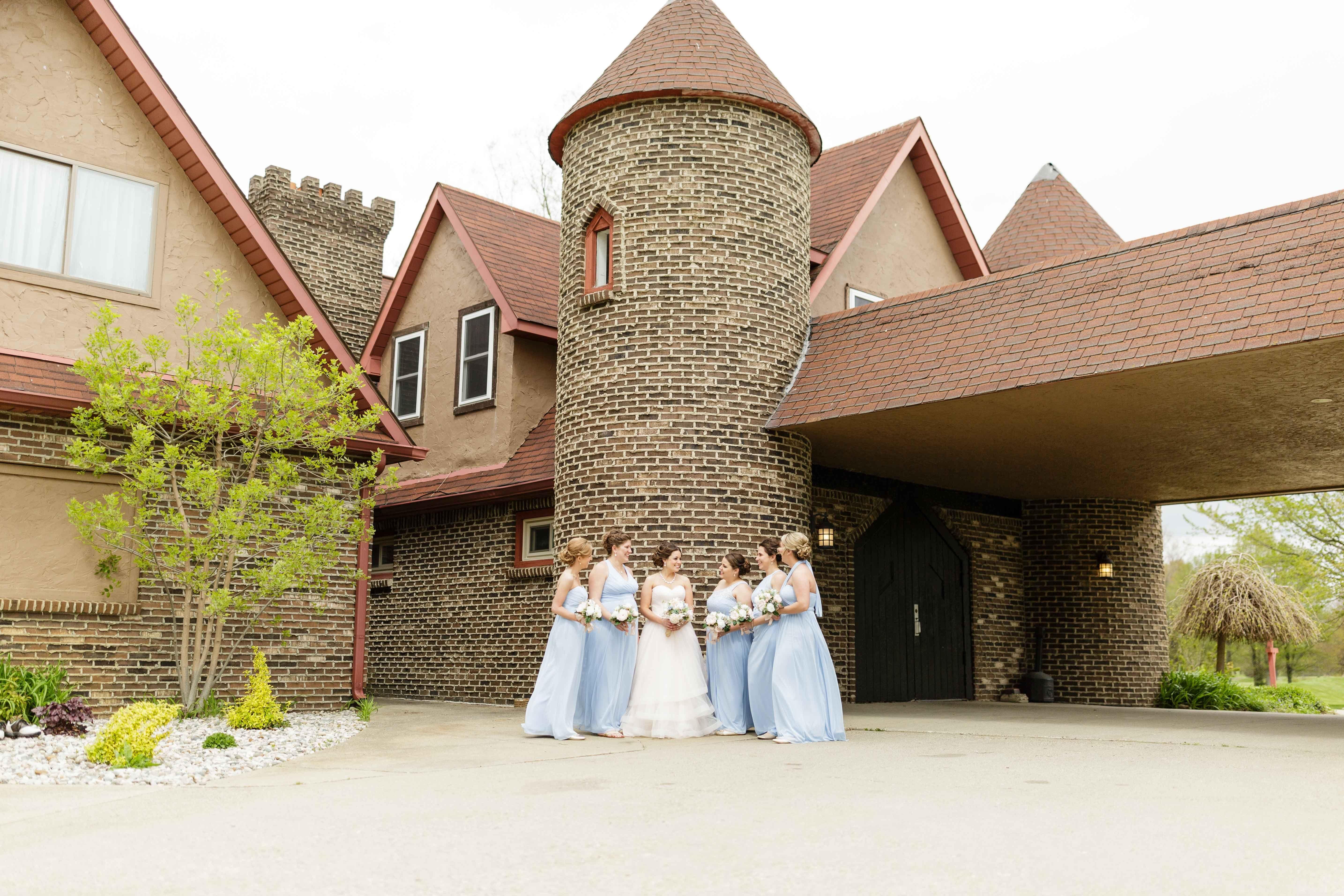 Castle Wedding Castle Creek Golf Course Unique Posing Ideas Bridesmaids Pictures Michiga Michigan Wedding Bridesmaid Pictures Michigan Wedding Photographer