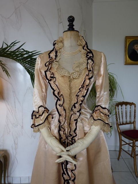 Alte Kleider Kaufen Dressing Gown, Ca. 1880 Http://antique-gown.com/index.php ...