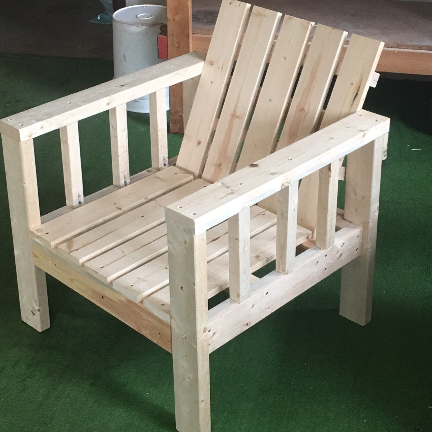 Outdoor wooden lounge chairs - My Simple Outdoor Lounge Chair With 2x4 Modification Do It Yourself Home Projects From Ana
