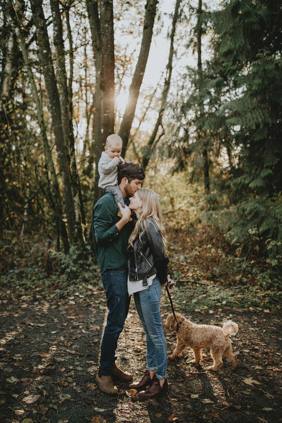 Fall family photos | Wedding & Party Ideas #winterfamilyphotography