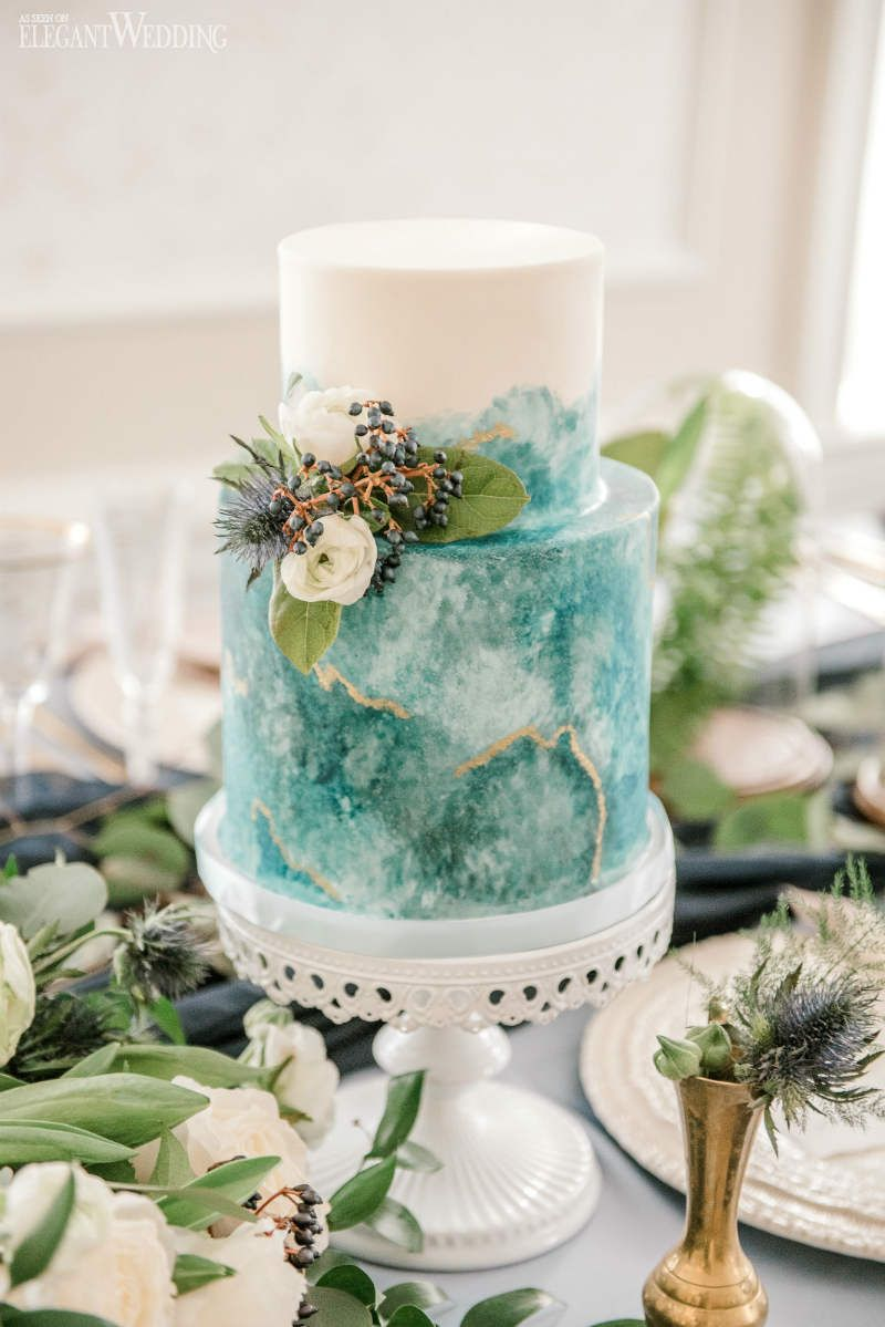 Ätherische Immergrün-Hochzeits-Inspiration | ElegantWedding.ca   – Wedding Cakes & Sweets