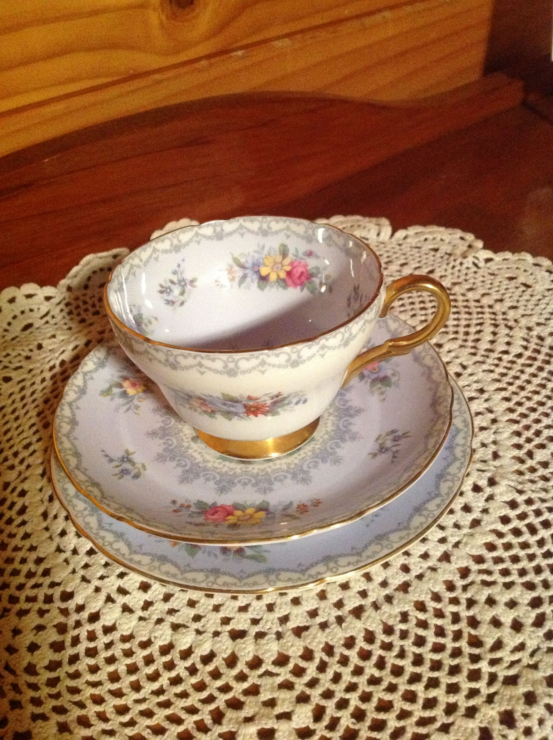 My Mother S Tea Cup Set Fine Bone China Shelby England Crochet 10071 310 Tea Cup Set Tea Cups Tea Wallpaper tea cup book garlands leaves