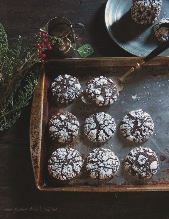 Dark Chocolate Ginger Molasses Crackle Cookies | Donkersjokolade-en-gemmerkoekies