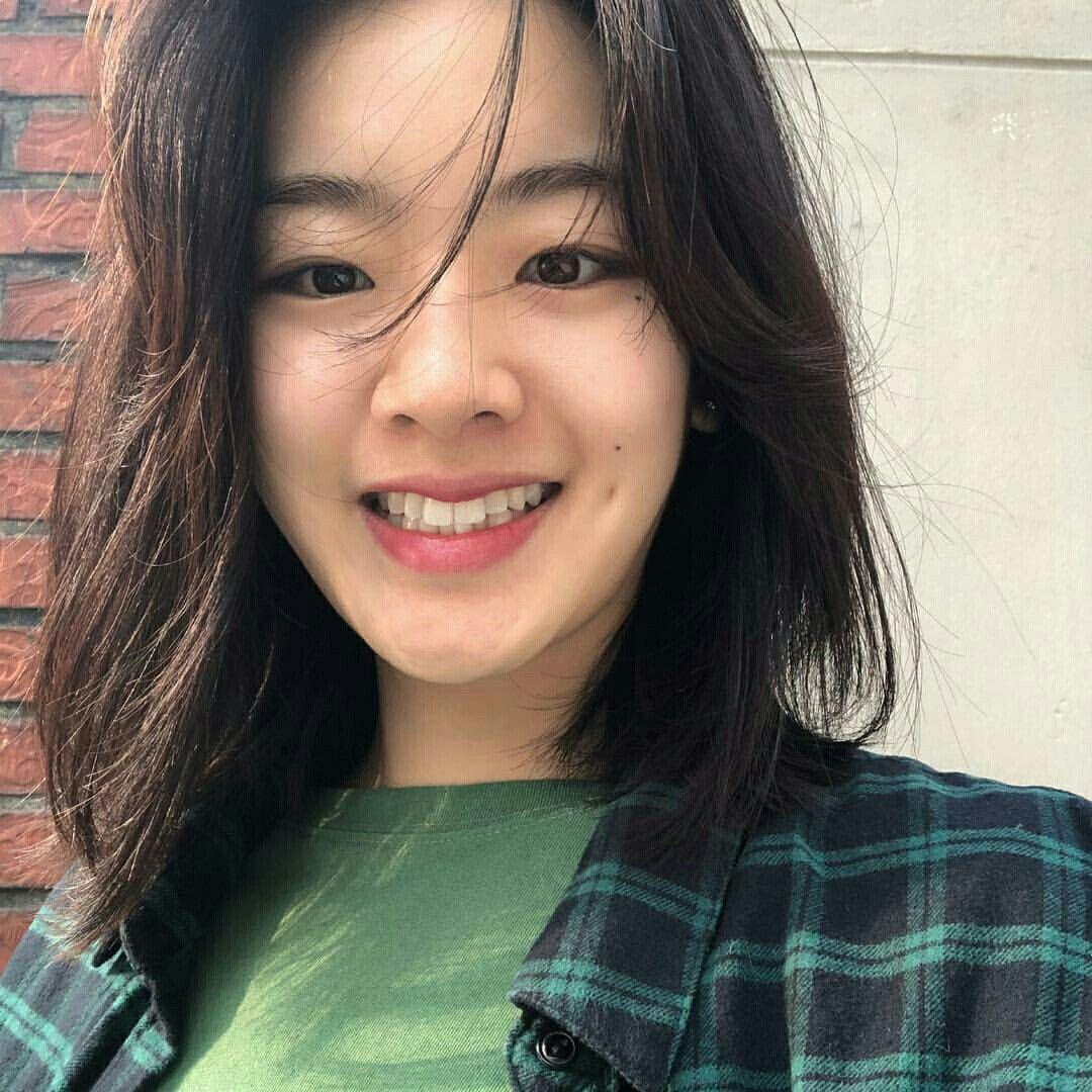 Pin Em Lee Joo Young