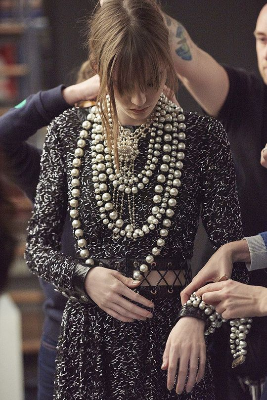 The Fall-Winter 2016/17 Ready-to-wear show on the CHANEL ... - photo #43