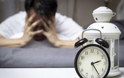 La falta de sueño aumenta los niveles en sangre de una señal química que amplifica el gusto por la comida, en particular, por los aperitivos dulces o salados con alto contenido en grasa