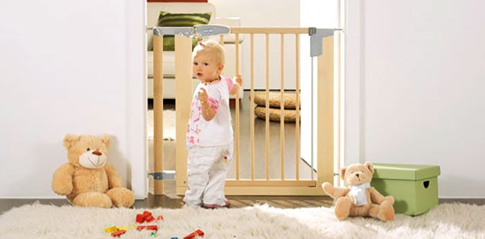 Child  sc 1 st  Pinterest & Child safety gates. How to choose child door gates? FAQ. | Choosing ...