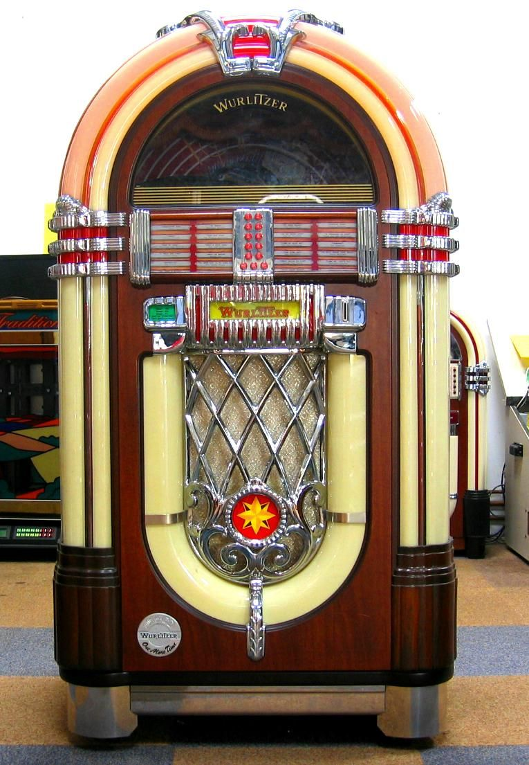 Wurlitzer jukebox £5,995.00   Jukebox, Jukeboxes, Music ...
