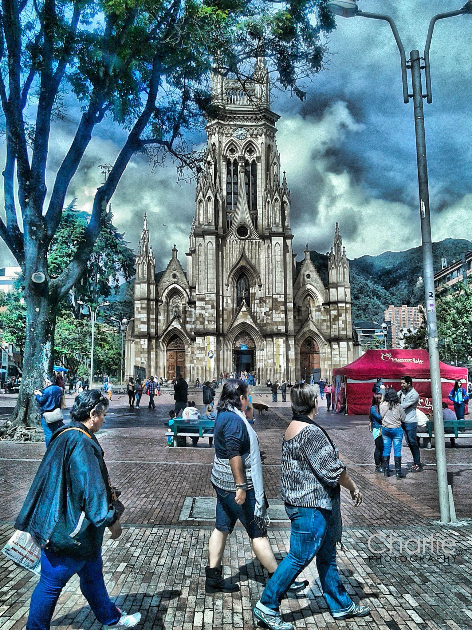 Muebles Becco Bogota - Templo De Lourdes Bogot D C Hdr Null Colombia Pinterest [mjhdah]https://s-media-cache-ak0.pinimg.com/originals/88/d6/8a/88d68a902a5ac1deb8046301481d6ef6.jpg