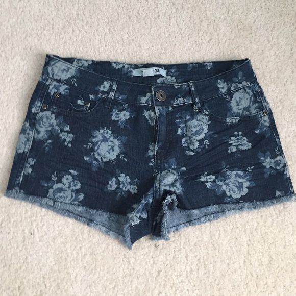 Forever 21 Floral denim jeans Low rise shorts. Cute floral design Forever 21 Shorts Jean Shorts