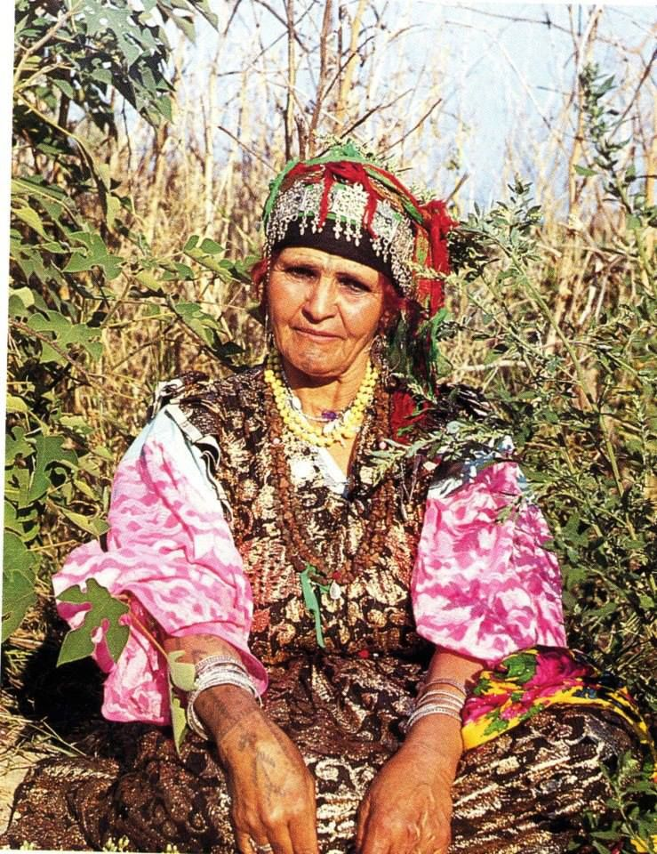 Amayas Amazigh Tachawit Amazigh Woman From The Aures African