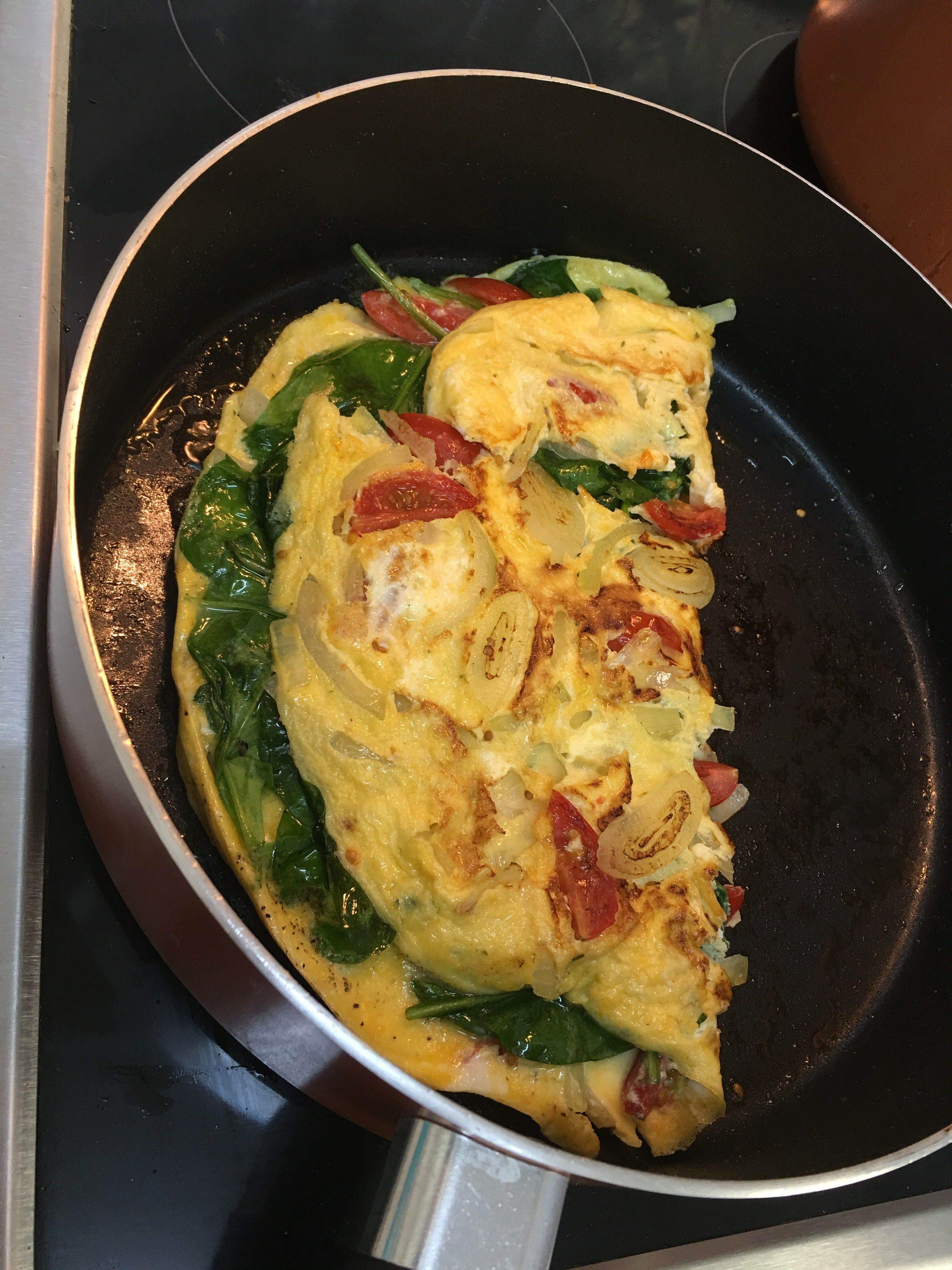 Onion, Tomato and Spinach Omellete ala Mhaj #healthybreaky #hubbysultimatefave