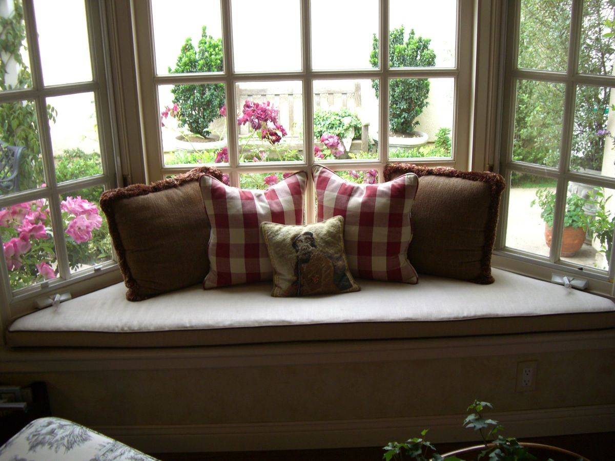 Pin By Katy S On Favorite Places Spaces Bay Window Seat Custom Window Seat Cushion Bay Window Decor