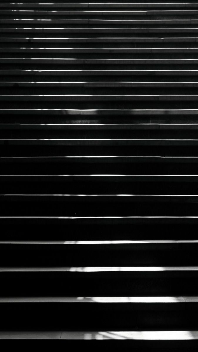 Black And White Photograph Stairs Iphone 5s Wallpaper